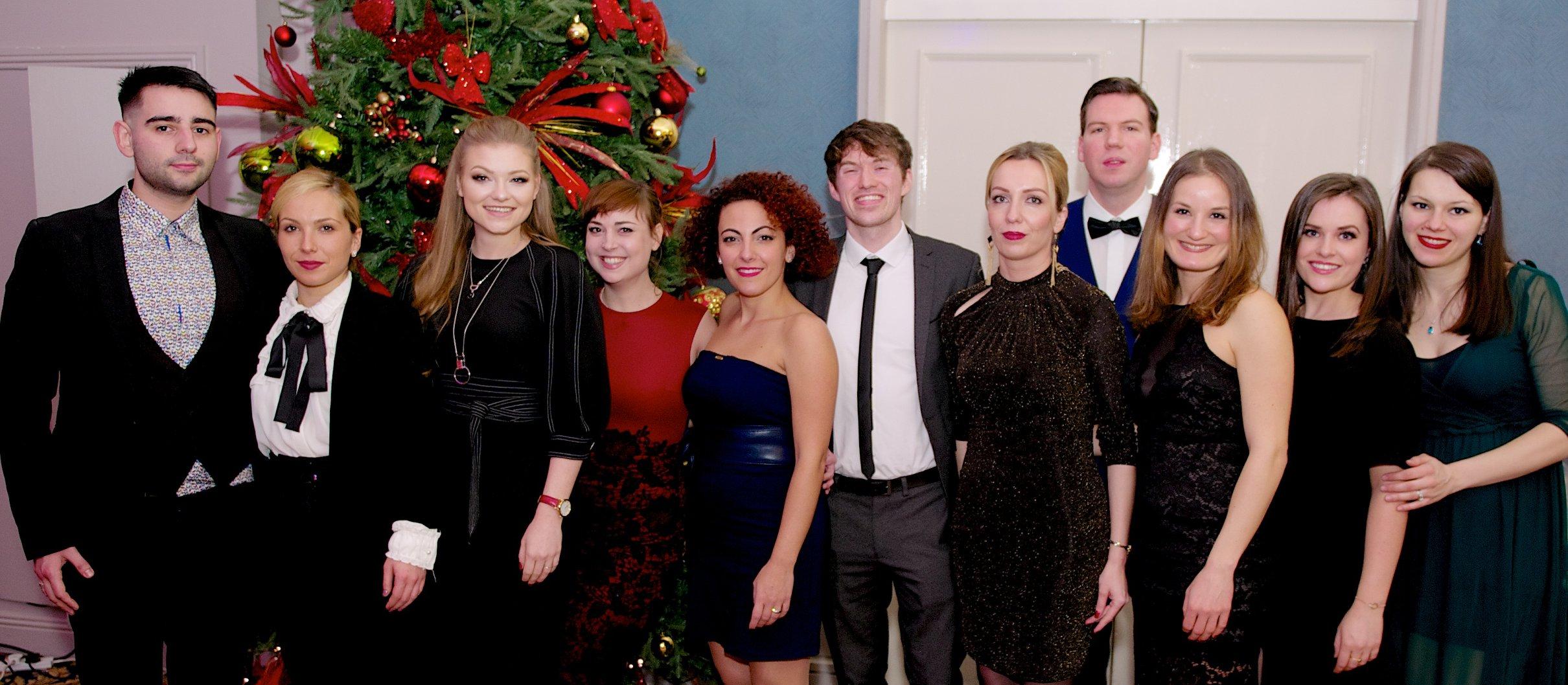 tomasstolc.sk-dominika-stolcova-rozhovor-vianocna-party-v-praci